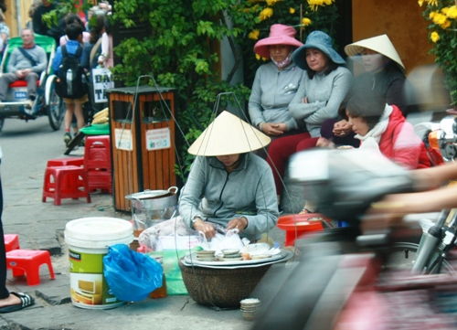 Specialties of food vendors in Hoi An